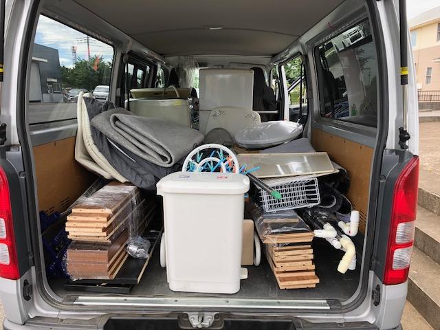 追加料金なしで軽トラックにいっぱいの不用品をまるごと回収いたしました!
