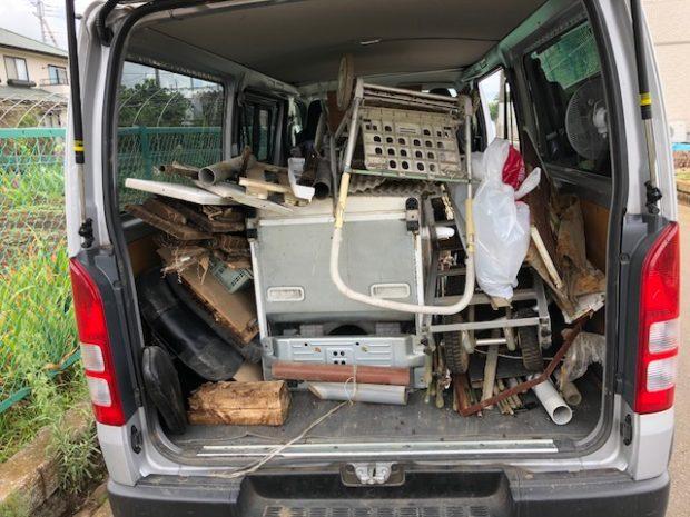 大きな電化製品から廃材までまとめて回収いたしました。