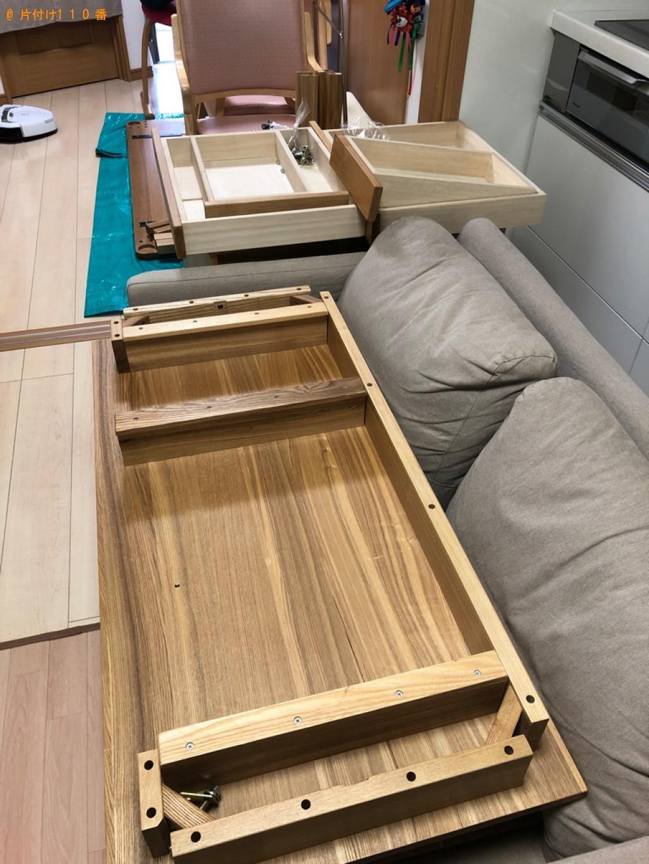 【水戸市】四人用ダイニングテーブル、ソファー等の回収・処分