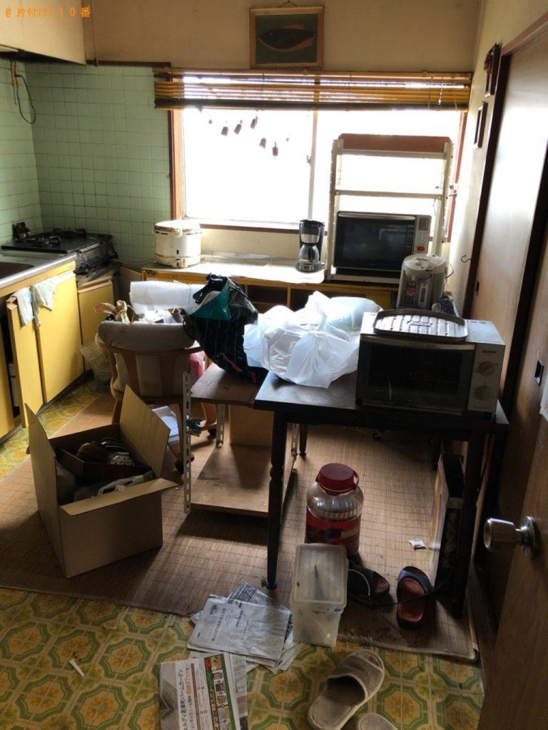 【水戸市】遺品整理に伴い電子レンジ、椅子、炊飯器、カート、布団等の回収・処分