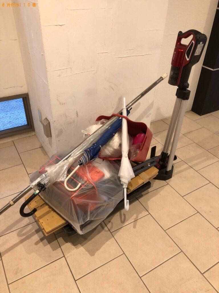 カラーボックス、ラック、傘、スティック型掃除機等の回収